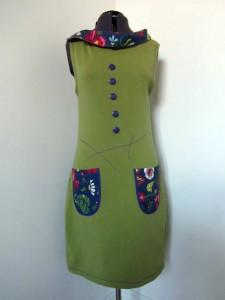 Unik färgglad klänning